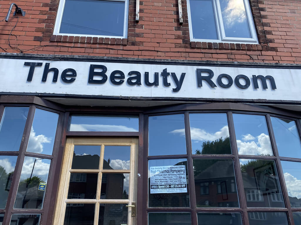 The-Beauty-Room-Signage-Before